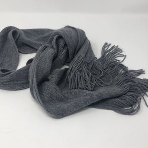 New York & Co fringed knit scarf